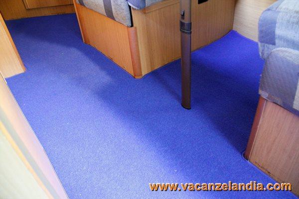 Cabina Bagno Per Camper : Larcos moquette per camper e caravan tappeti e pedane realizzati su
