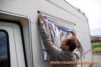 Tendine parasole finestre parafrigo per proteggere dal sole le finestre del camper e le - Griglie per finestre esterne ...