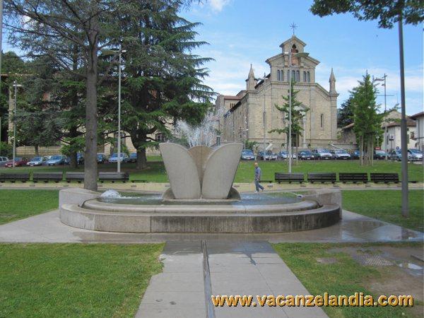 07_emilia_romagna_san_piero_in_bagno_sculturajpg 08_emilia_romagna_san_piero_in_bagno_parco_pubblicojpg