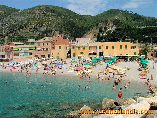 Matrimonio Spiaggia Varigotti : Itinerari diari di viaggio liguria riviera ponente il
