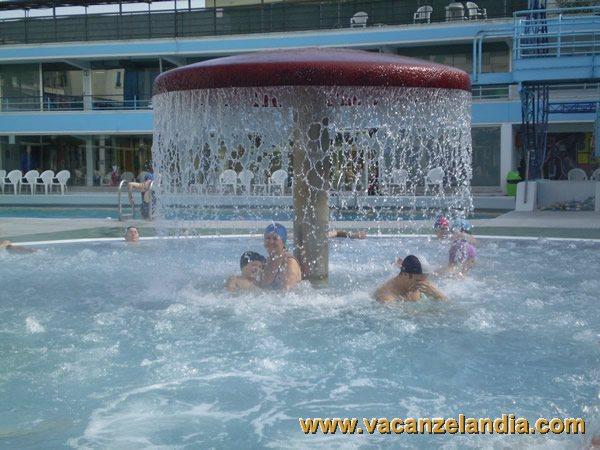 Itinerari diari di viaggio veneto abano terme 2o tappa vacanzelandia - Abano terme piscine notturne ...
